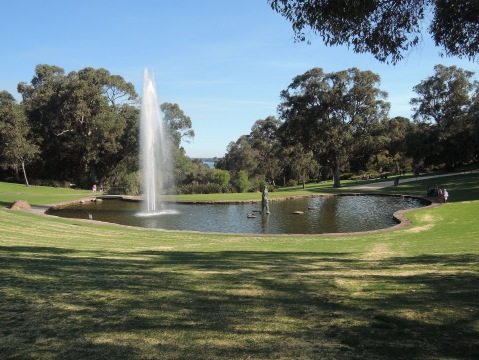 Picnic spot in Kings Park (Statue of woman with child, Peppermint Lawn) Saturday 22 October 2016